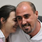 Atlaoui avec sa femme (Photo AFP)