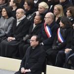 Hollande à la fois seul et entouré (Photo AFP)