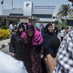 Des familles de victimes au Caire (Photo AFP)
