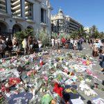 Des fleurs en hommage aux victimes (Photo AFP)