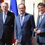 Hollande entre Ayrault et Valls (Photo AFP)